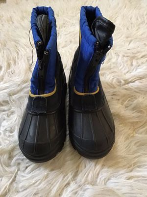 snow boots size 10 kids for Sale in Riverside, CA