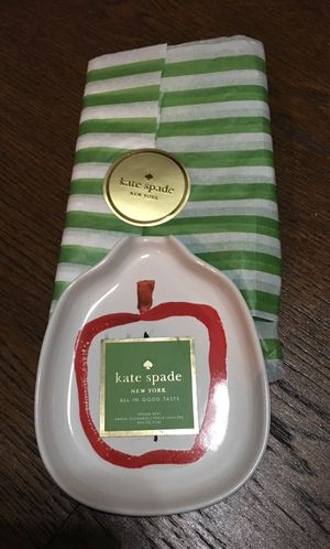 Kate Spade New York All In Good Taste Stoneware Apple Spoon Rest NEW for Sale in Chicago, IL