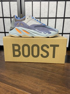 Adidas yeezy 700 Carbon blue size 9.5 for Sale in Olney, MD