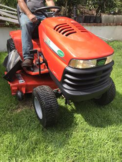 Scotts S2348 riding Lawn Tractor for Sale in Corona,  CA