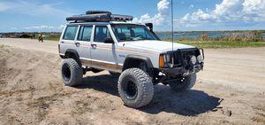 1991 jeep cherokee XJ 4x4 for Sale in Miami, FL