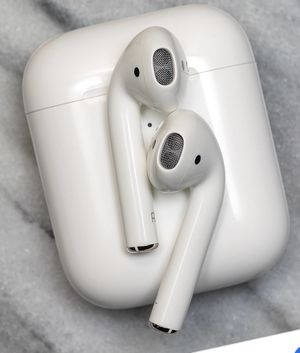 Trade 2nd gen AirPods for beats!! for Sale in Indianapolis, IN