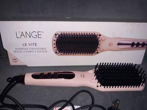 L'ANGE Hairbrush Straightener for Sale in Fort Walton Beach, FL