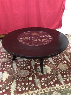 Large Solid Wood Round Coffee Table for Sale in Oakland Park, FL