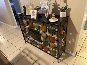 Console table for Sale in Lake Wales, FL