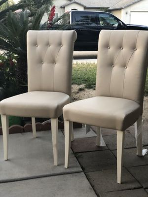 Brand new set of 2 tufted accent chairs. Retails for over $380 for Sale in Fowler, CA
