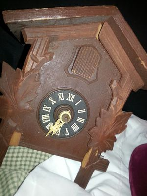 ANTIQUE CUCKOO CLOCK for Sale in Cedar Hill, TX