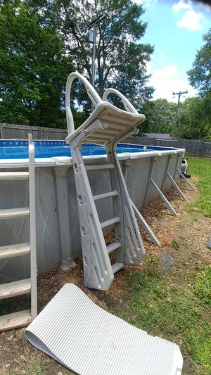 Ladder with Roll Guard for Sale in Williamston, SC