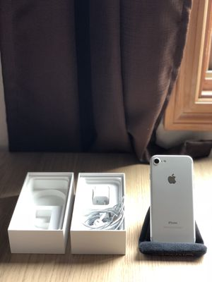 Mint Condition iPhone 7 Silver 32GB AT&T for Sale in San Francisco, CA