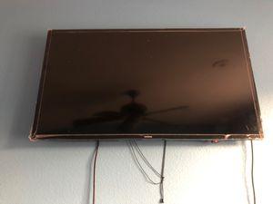 SAMSUNG SMART TV for Sale in Riverside, CA