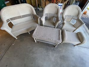 Outdoor Patio Set for Sale in Grayslake, IL
