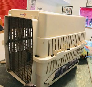 Large dog kennel up to 65lbs for Sale in Wichita, KS