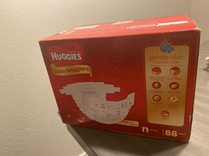 Huggies Little Snugglers Baby Diapers, Size Newborn, 88 Count for Sale in Glendale, AZ