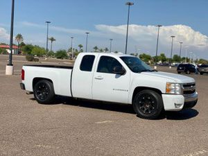 2007 Chevy Silverado 1500 Ext cab V8 5.3L clean title for Sale in Mesa, AZ
