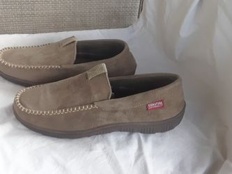 NEW Men's Size 11-12 Suede House Shoes Slippers Levi Strauss SUPER COMFY Very Durable for Sale in Marietta,  GA