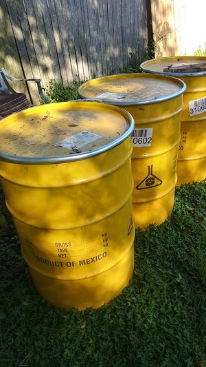 Metal drum with lid and ring for Sale in Eagle Lake, FL