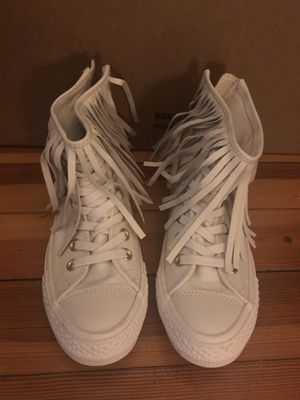 CHUCK TAYLOR ALL STAR FRINGE Size 6 for Sale in Everett, MA