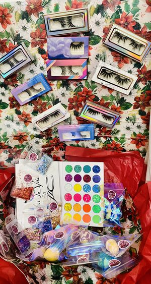 Christmas makeup gifts for Sale in Phoenix, AZ