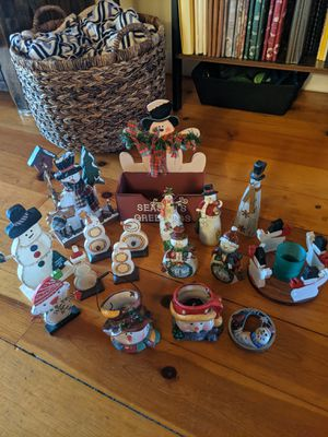 17-piece Snowman Collection for Sale in Avon Lake, OH