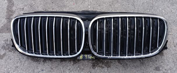 2018 BMW 7 Series Grill and shutters for Sale in South Gate,  CA
