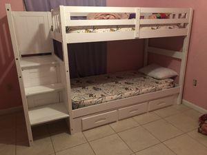 White Bunk bed for Sale in Okeechobee, FL