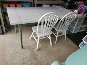 Country kitchen table and 4 distressed chairs & a stool $200 for Sale in Bethalto, IL