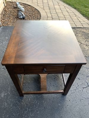 Dark wood nightstand with pullout drawer for Sale in Oak Forest, IL