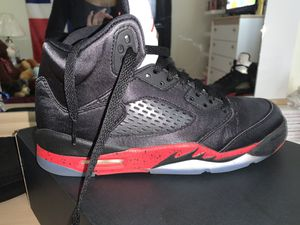 Air Jordan Retro 5 (Gs) black/university red for Sale in Middletown, CT