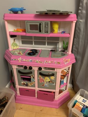Play kitchen with appliances for Sale in Elkridge, MD