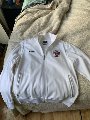 PORTUGAL NATIONAL TEAM FOOTBALL SOCCER JACKET COAT NIKE MEN SIZE M for Sale in Brooklyn, NY