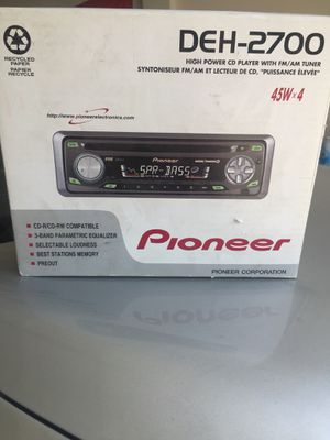 Car radio and CD player for Sale in Modesto, CA
