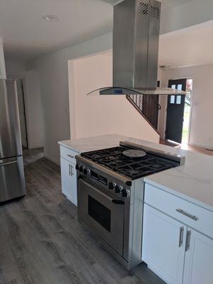 Kitchen, countertop and appliances for Sale in Tacoma, WA