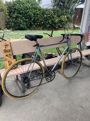 Schwinn vintage road bike for Sale in Santa Fe Springs, CA