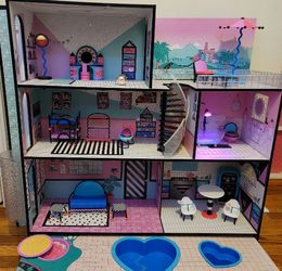 LOL SURPRISE DOLL HOUSE for Sale in Queens,  NY