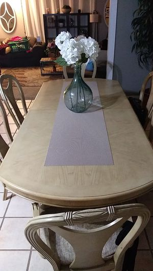 Kitchen dinning table with hutch for Sale in Rodeo, CA