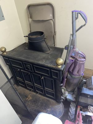 Franklin Cast Iron Stove for Sale in Murfreesboro, TN