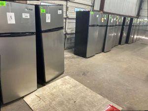 Thompson refrigerators 7.5 ft.³ TFR725 0G for Sale in Torrance, CA