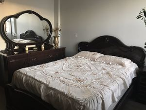 3-piece Italian bedroom set - queen size for Sale in Niles, IL