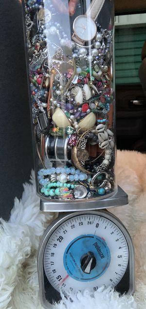 TIFFANY AVERY DOLCE AND GABANNA JCREW GRAB BAG for Sale in Schertz, TX