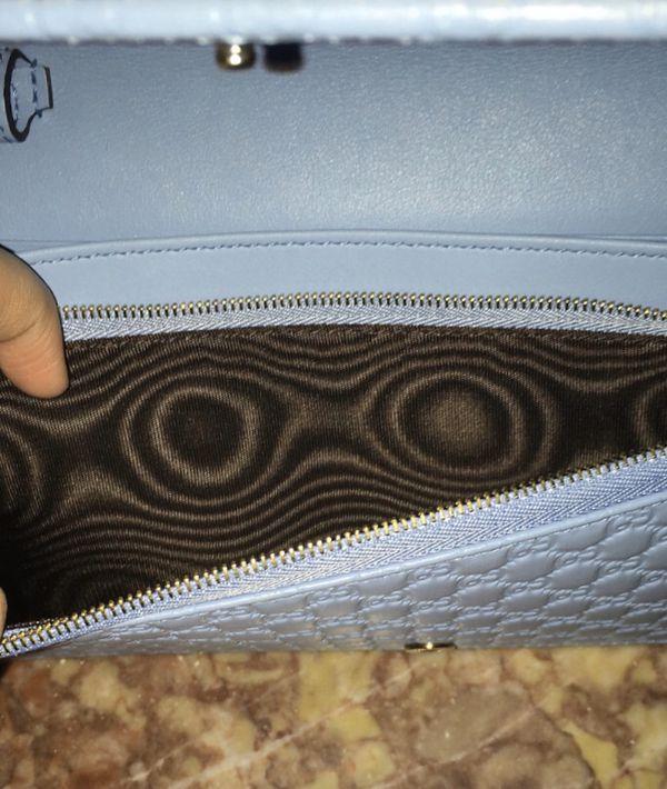 Gucci purse / bag / crossbody clutch