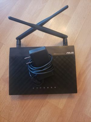 ASUS router with cord.. like new for Sale in Los Angeles, CA