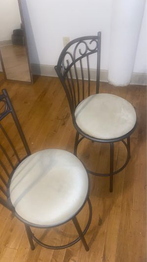 2 bar stool chairs for Sale in St. Louis, MO