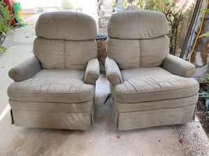 LA-Z Boy Reclining Chairs (2) for Sale in Rancho Mirage, CA