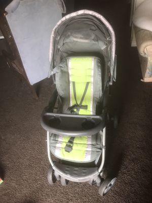 Baby stroller with cup holder and storage basket- Babies Rus for Sale in Las Vegas, NV