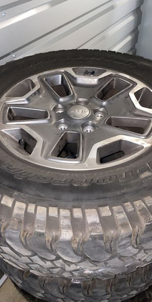 2017 Jeep Rubicon OEM wheels for Sale in Salinas, CA
