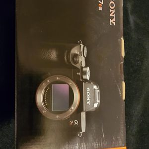 Sony A7R-3 Body Only for Sale in Vancouver, WA