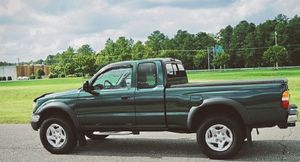 02 Toyota TACOMA exceptional for Sale in New Haven, CT