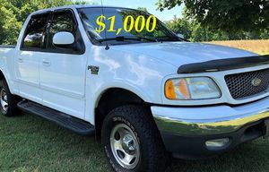 $1,OOO URGENT For sale 2002 Ford F-150 XLT Super Crew Cab 4-Door Runs and drives great! Clean title for Sale in Wichita, KS