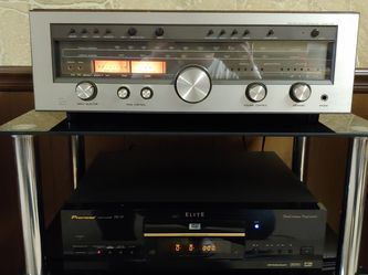 Beautiful Luxman R-1050 Receiver for Sale in Cleveland,  OH