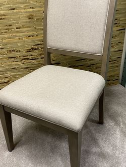 Klaussner Wide Dining Room Chair for Sale in Kent,  WA